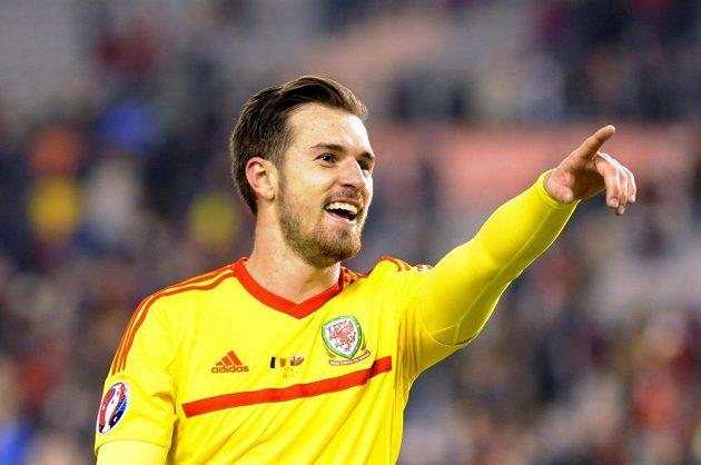 Velšan Aaron Ramsey při kvalifikačním utkání proti Belgii o postup na ME.