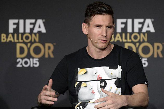 Argentinec Lionel Messi před vyhlášením Zlatého míče pro nejlepšího fotbalistu světa roku 2015.
