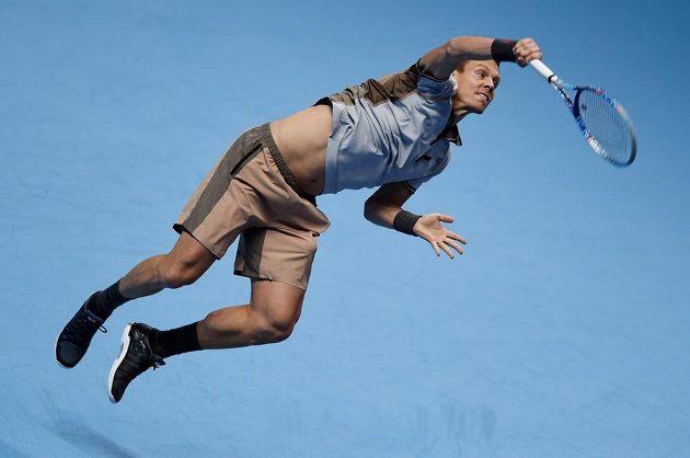 Český tenista Tomáš Berdych v utkání Turnaje mistrů proti Rogeru Federerovi.