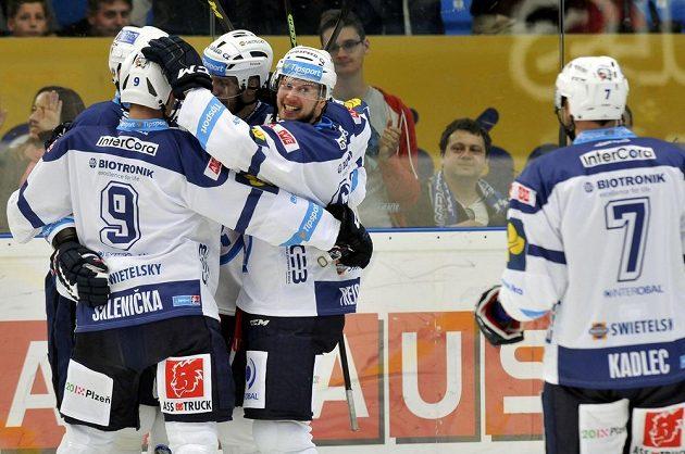 Plzeňští hokejisté si proti Karlovým Varům zastříleli.