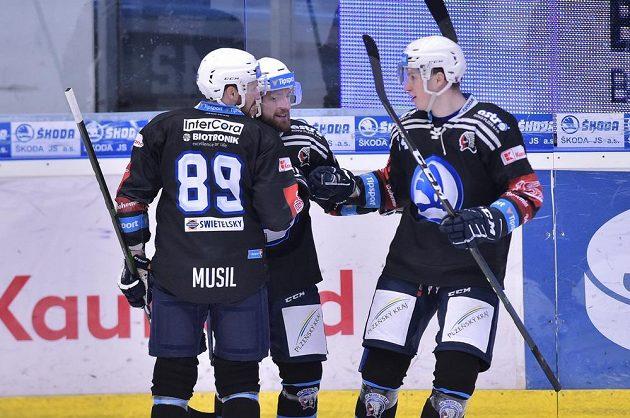 Hráči Plzně se radují z prvního gólu proti Liberci, který dal Pavel Musil (vlevo).