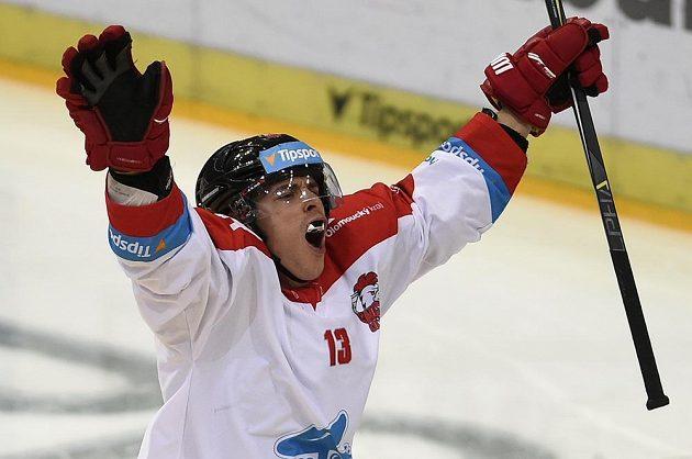 Bruno Mráz z Olomouce se raduje z gólu proti Spartě.