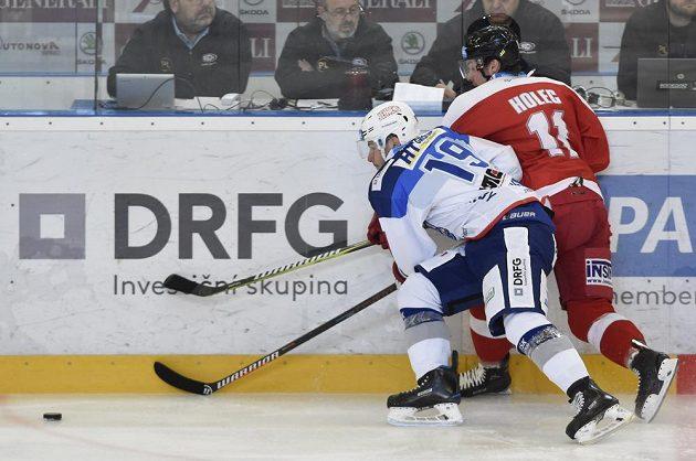 V souboji (zleva) Lukáš Nahodil z Brna a Miroslav Holec z Olomouce.