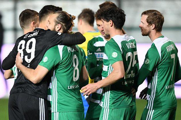 Klokani slaví Pulkrabův (druhá zleva) gól z penalty.