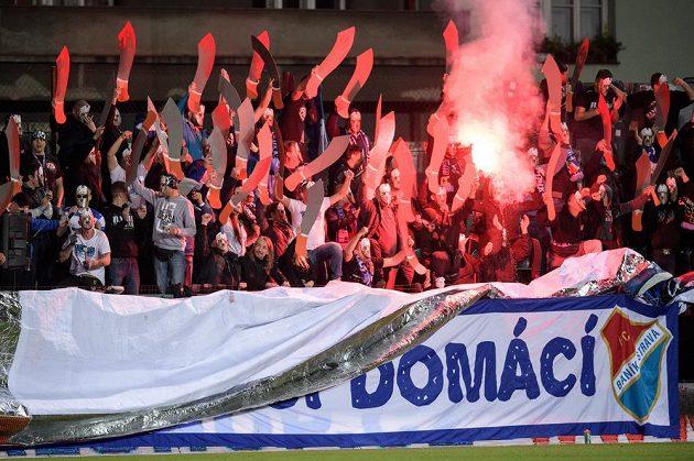 Fanoušci Baníku Ostrava během utkání s Bohemians.