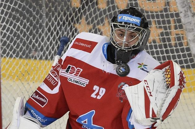 Brankář Olomouce Jan Lukáš.