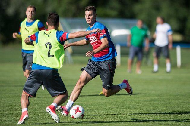 Patrik Schick během tréninku reprezentace do 21 let.