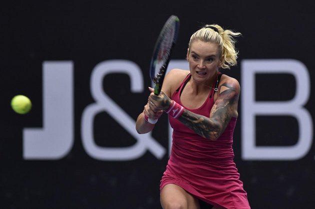 Bojovnice Tereza Martincová v tenisovém derby proti Kateřině Siniakové na ostravském turnaji.