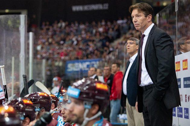 Německý trenér Sparty Uwe Krupp během utkání s Hradcem Králové.