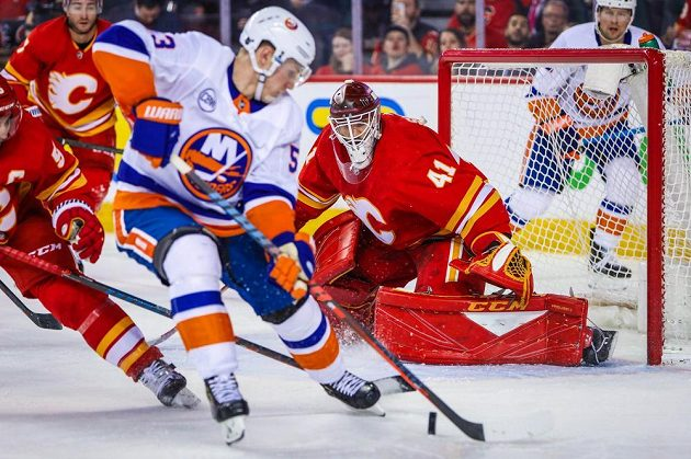 Islanders stáhli dvoubrankový náskok Calgary, na body to však nakonec nestačilo