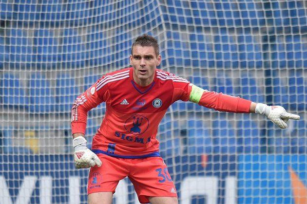 Brankář Olomouce Miloš Buchta v zápase s Libercem.