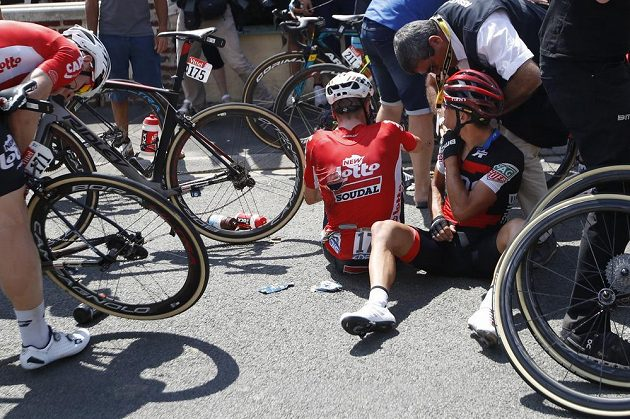 Australan Richie Porte si po pádu poranil rameno a na Tour de France už pokračovat nebude.