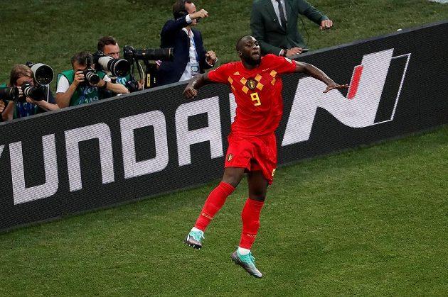 Belgičan Romelu Lukaku jásá po svém druhém gólu proti Panamě.