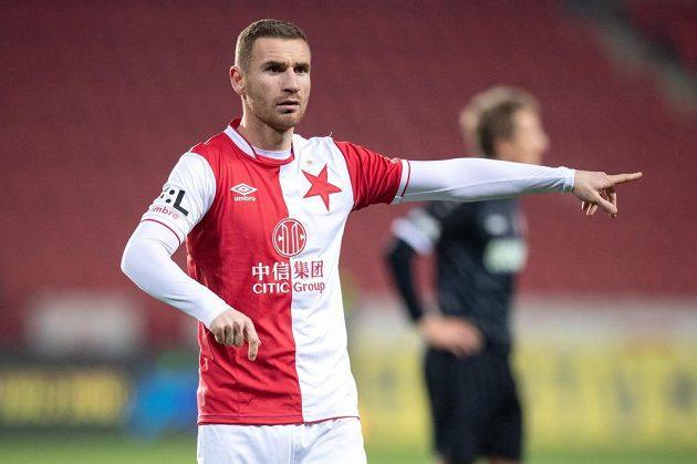 Muris Mešanovič ze Slavie Praha během utkání 4. kola MOL Cupu s Chrudimí.