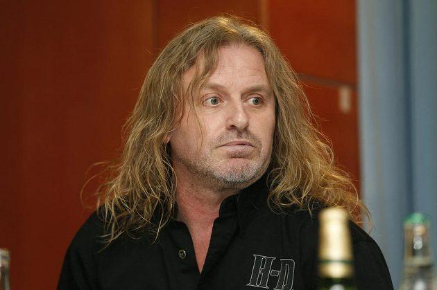 Zpěvák skupiny Kabát Josef Vojtek.