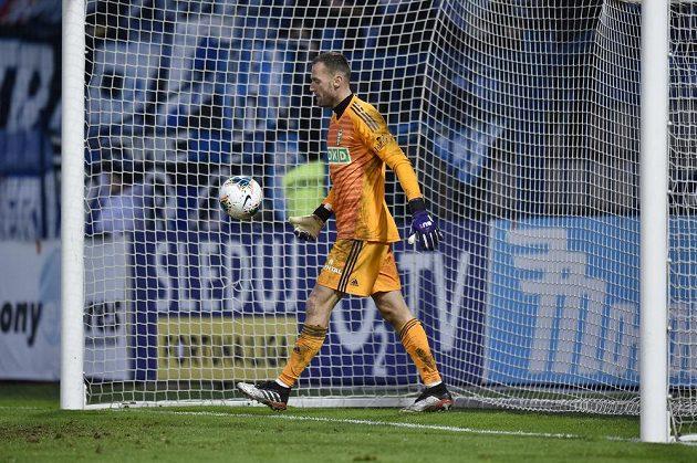 Brankář Karviné Libor Hrdlička po třetím inkasovaném gólu v Liberci.