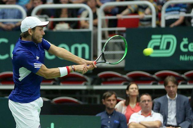 Lucas Pouille z Francie porazil ve čtvrtfinále Davis Cupu Jiřího Veselého.