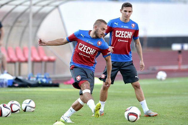 Fotbalisté Jiří Skalák (vpředu) na tréninku české fotbalové reprezentace.