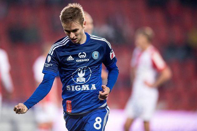 Olomoucký záložník David Houska se raduje z gólu proti Slavii.