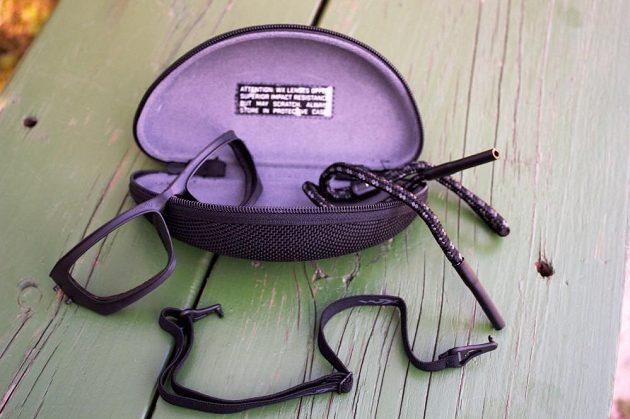 Sluneční brýle Wiley X Gravity - dopňkové vybavení: pouzdro, čisticí hadřík, šňůrka, elastický pásek.