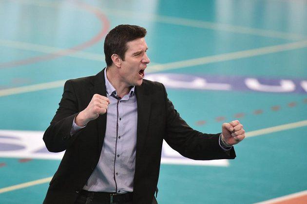 Trenér Dukly Liberec Michal Nekola se raduje z vítězství v Českém poháru.