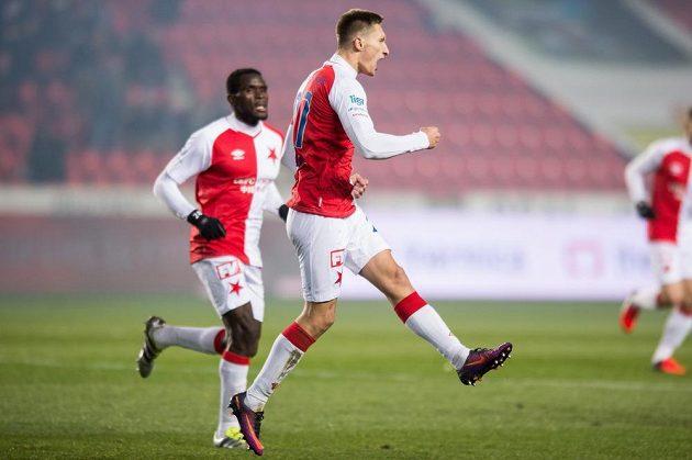 Milan Škoda ze Slavie se raduje z gólu na 1:1 během utkání s Bohemians.