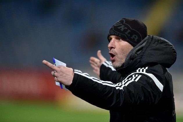 Trenér fotbalové Dukly Praha Roman Skuhravý.