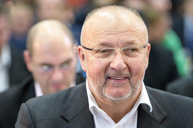 Jaroslav Starka během mimořádné Valné hromady FAČR.