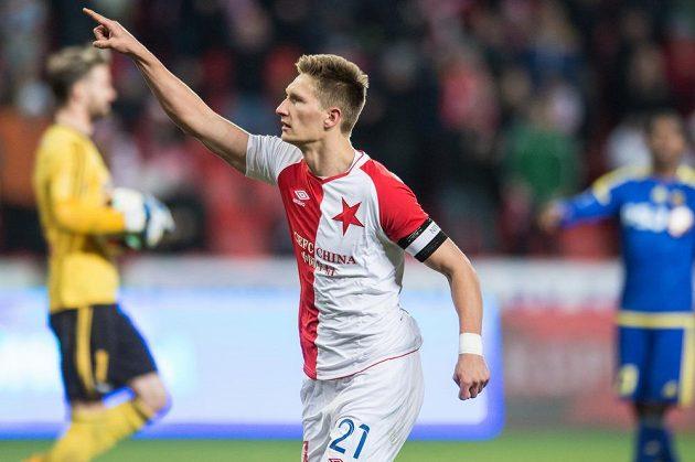 Milan Škoda oslavuje proměněnou penaltu.
