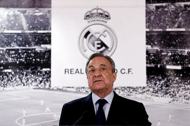 Prezident Realu Madrid Florentino Pérez během pondělního tiskové konference.
