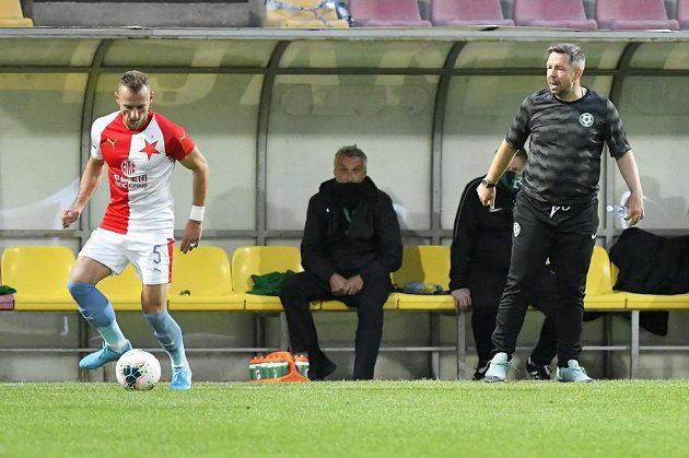 Zleva Vladimír Coufal ze Slavie a trenér Příbrami Pavel Horváth.