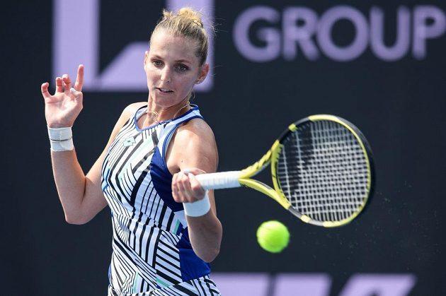 Kristýna Plíšková se v zápase proti Barboře Strýcové musela před soupeřkou sklonit.