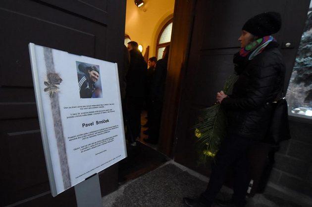 V obřadní sítí ve Vítkovicích se uskutečnilo poslední rozloučení s bývalým fotbalovým brankářem Pavlem Srníčkem.