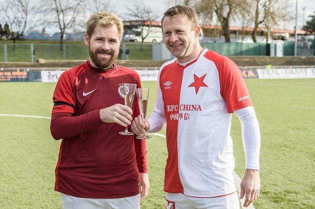Tomáš Hübschman (vlevo) a Stanislav Vlček během Silvestrovského derby internacionálu.
