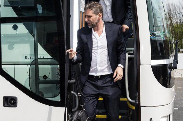 Trenér Josef Jandač před odletem hokejové reprezenzace na MS.