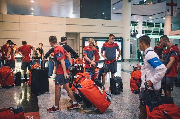 Cesta na evropský šampionát trvala mladíků třináct hodin.