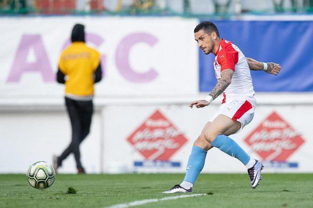 Nicolae Stanciu ze Slavie střílí gól na 4:1 v utkání proti Teplicím.