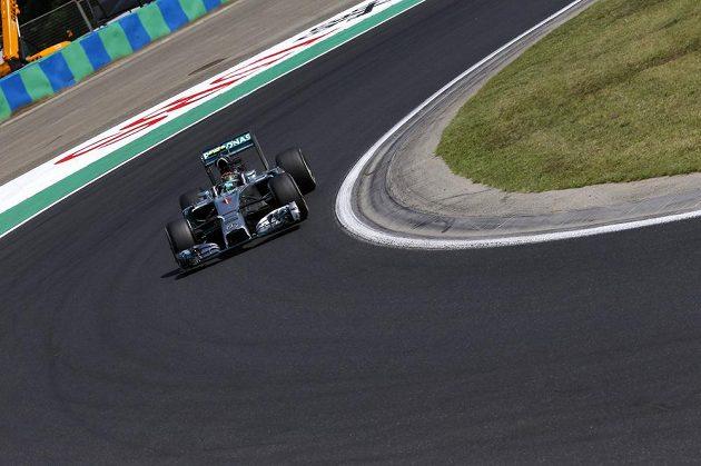 Nico Rosberg z Německa s mercedesem při tréninku na GP Maďarska.