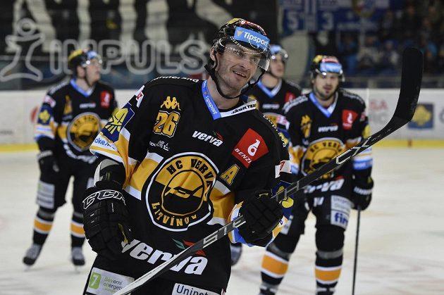 Hráči Litvínova se radují z gólu, vpředu je Viktor Hübl.