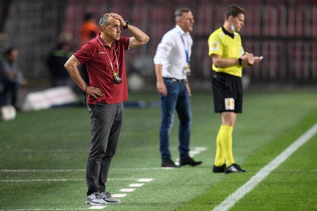 Trenér Sparty Praha Václav Kotal během utkání ve skupině o titul s Baníkem Ostrava.