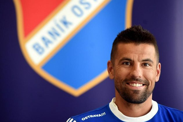 Fotbalový útočník Milan Baroš bude znovu nastupovat za Baník Ostrava.