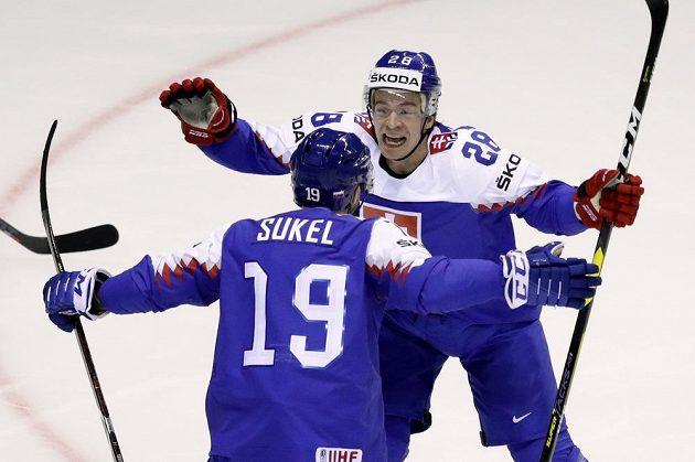 Slovenská radost! Matúš Sukeľ slaví gól, který vstřelil do sítě USA na mistrovství světa.