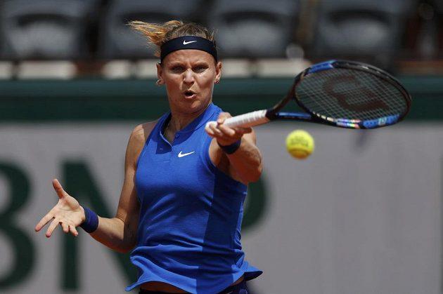 Lucie šafářová ve 3. kole French Open proti Samantě Stosurové.