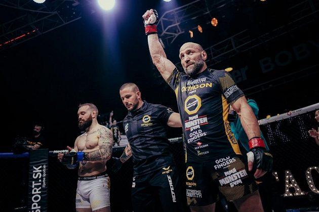 Petr Kníže porazil při premiéře v organizaci OKTAGON MMA Itala Andreu Fusiho.