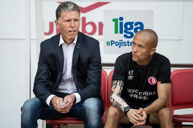 Nový trenér Slavie Praha Jaroslav Šilhavý (vlevo) a asistent Jiří Chytrý během utkání 6. kola ePojisteni.cz ligy v Teplicích.