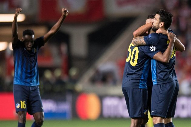 Fotbalisté APOELu slaví postup do Ligy mistrů na úkor Slavie.
