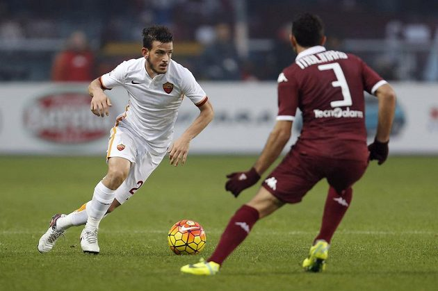 Alessandro Florenzi (vlevo) a AS Řím a turínský Cristian Molinaro