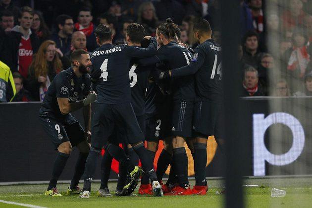 Radost v podání fotbalistů Realu Madrid v utkání Ligy mistrů.