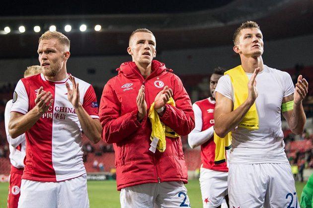 Fotbalisté Slavie Praha (zleva): Mick van Buren, Tomáš Souček a Tomáš Necid po porážce od Villarrealu.