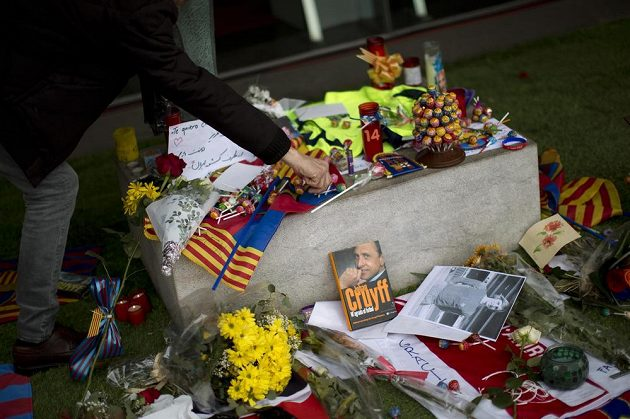 Pamětní místa vznikla také před barcelonským Camp Nou.